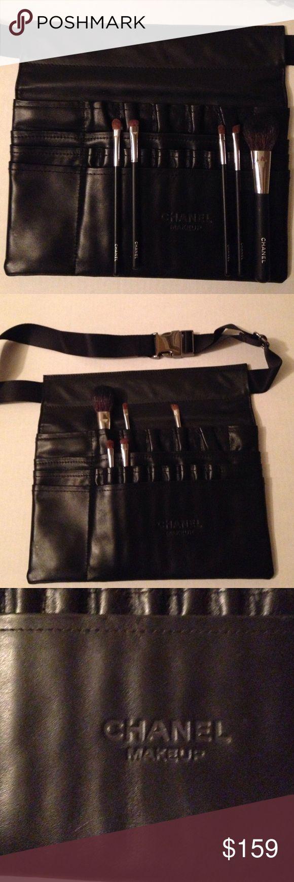 Professional Chanel makeup brush holder & brushes Chanel