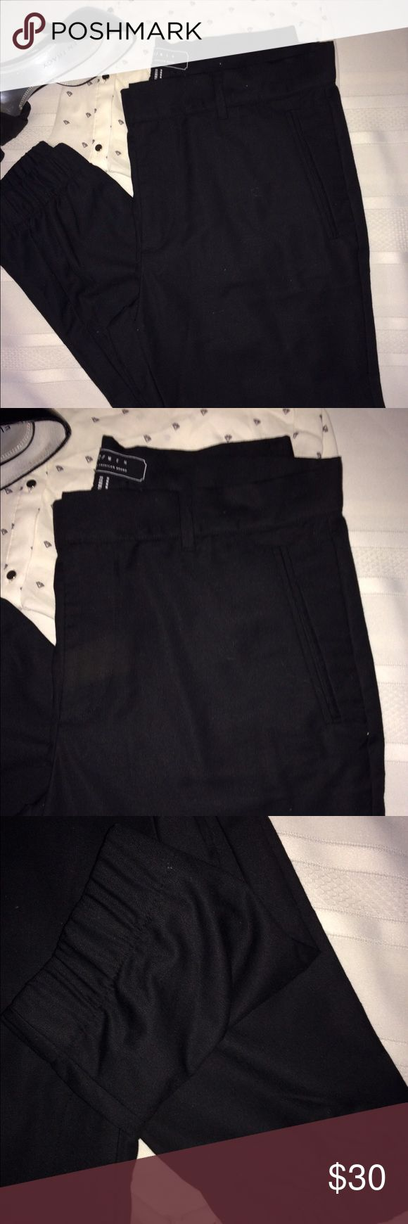 😎😍🔥Genie Trouser Pants😎😍🔥 EUC. Worn Once😚 These pants are boss, sexy, chic!! They are like men's trousers but for a woman and with elastic bottoms😮😍😎. Just sharp for no reason😎😘 #UnisexIthink 21men Pants Trousers