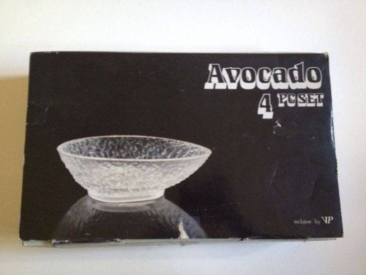 Estate Find - Vintage Set of 4 - Glass Avacado Dishes with box - Made in Italy