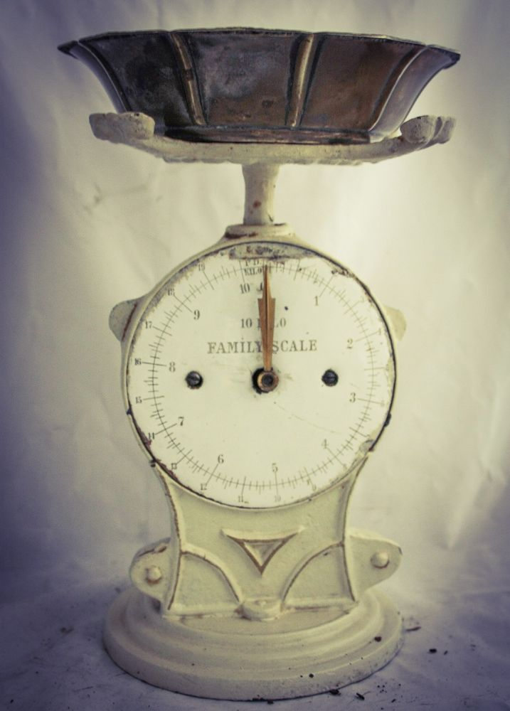 Antique FAMILY SCALE Weighing Balance Kitchen Scale Kuchenwaage #Unknown
