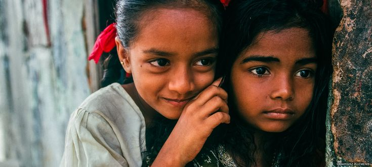 Portrait of two young Muslim girls in Fort Kochi, Kochi, Kerala, South India. Photo: © Dariusz Klemens