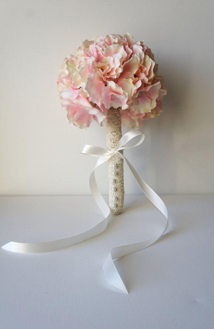 Arrossire Bouquet di ortensie rosa fiori di FashionTouchWeddings