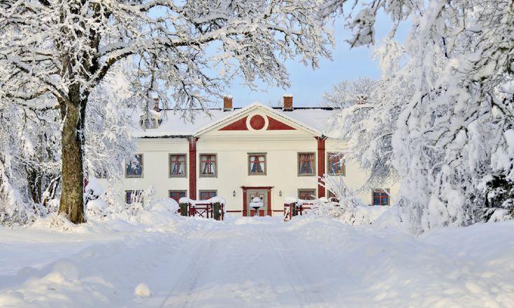Grimmestorp lär ha varit en boplats redan på 1200-talet. Huvudbyggnaden är från 1600-talet