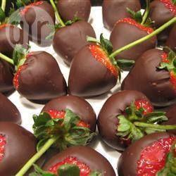 Fraises craquantes au chocolat @ allrecipes.fr