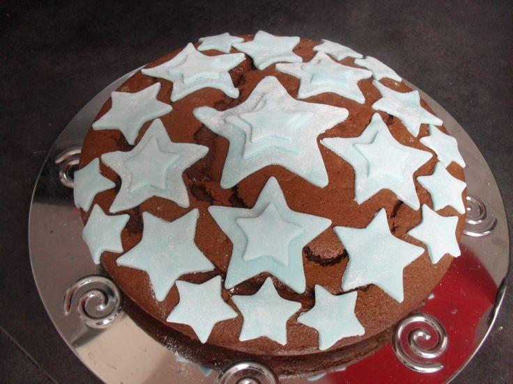 J'ai été selectionné par les Initiés pour tester un joli kit de la marque Vahiné : préparation pour cupcake, pâte à sucre, décors pour gâteau, livre de recette, ... et encore bien d'autres petites choses pour décorer mes gâteaux . Quel joli contenu ......