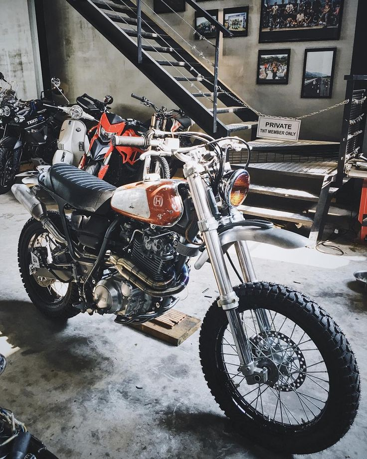 On BikeBound.com: Yamaha XT600 Scrambler by @tntcustom of Vietnam. Link in Profile #xt600 #dualsport #enduro #scrambler #tracker