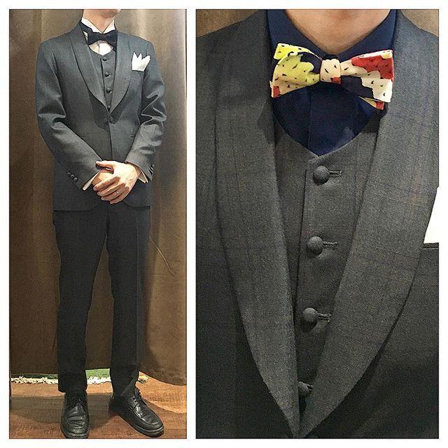 Shawl collar Three piece suit.  グリーン系のボディカラーに、ネイビーとオレンジのチェック柄が入ったスリーピース。  共布のショールカラーで適度に品良くお仕立て。  カジュアルなスタイルにオススメの逸品。  オーダーメイド製品はlifestyleorderへ。  all made in JAPAN  素敵な結婚式の写真を@lso_wdにアップしました。  wedding photo…@lso_wd  #ライフスタイルオーダー#オーダースーツ目黒#結婚式#カジュアルウエディング#ナチュラルウエディング#レストランウエディング#結婚準備#新郎衣装#新郎#プレ花嫁#蝶ネクタイ#メンズファッション#スナップ#モデル#フォーマル  #lifestyleorder#japan#meguro#photooftheday#instagood#wedding#tailor#snap#mensfashion#menswear#follow#ootd#bowtie#formal