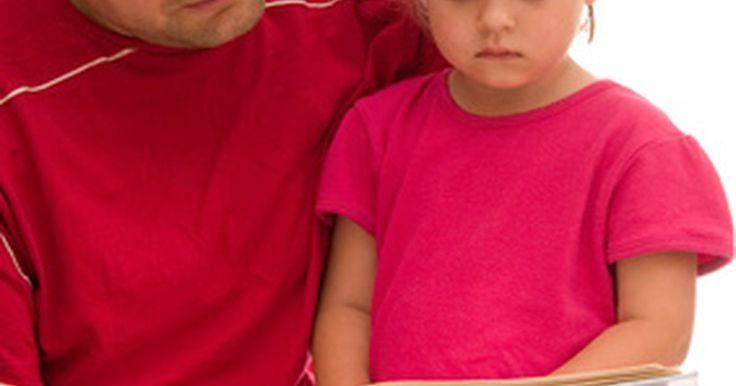 """¿Qué son las habilidades previas a la lectoescritura?. Alguna vez denominadas """"destrezas de preparación"""", las habilidades previas a la lectoescritura son aquellas que los padres, médicos y maestros evalúan al determinar si el niño está listo para aprender a leer y escribir. Los niños que muestran fuertes habilidades previas a la lectoescritura al entrar al jardín de infancia tienden a volverse ávidos ..."""