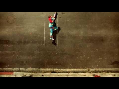 Coldplay - Strawberry Swing     Cutestt Video :)