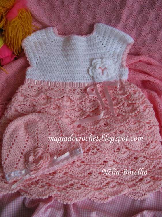 Vestido e boina em crochet para menia (2 anos) http://magiadocrochet.blogspot.com