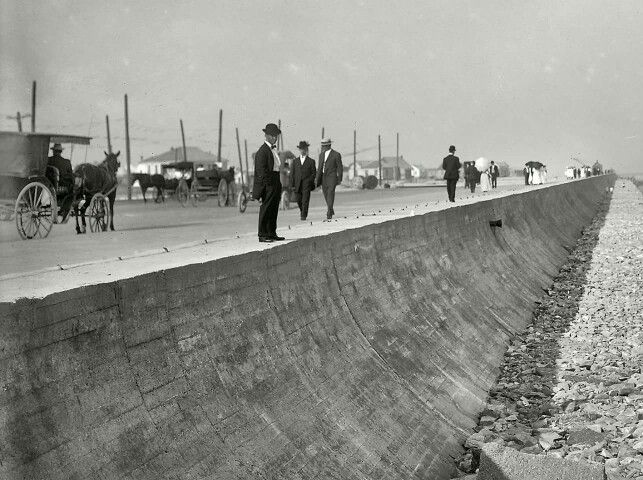 The Galveston seawall in 1905, 1 year after the seawall had been complete.