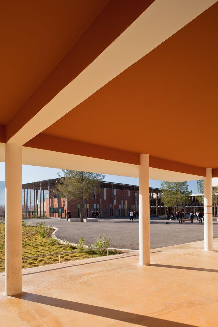 © 11h45 / Collège des Seize Fontaines, Saint-Zacharie (83) - Mascherpa Architectes