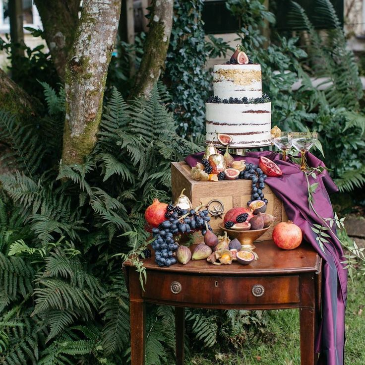 Just loved styling this cake table back in August for @barrow_emma Autumn Editorial at @weddevon. The gorgeous cake was by @queen_bee_cakes and tasted as good as it looked!