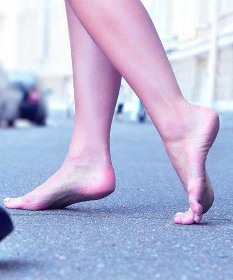 Benefits of walking barefoot  #walking   #fitness http://bestbodybootcamp.com/