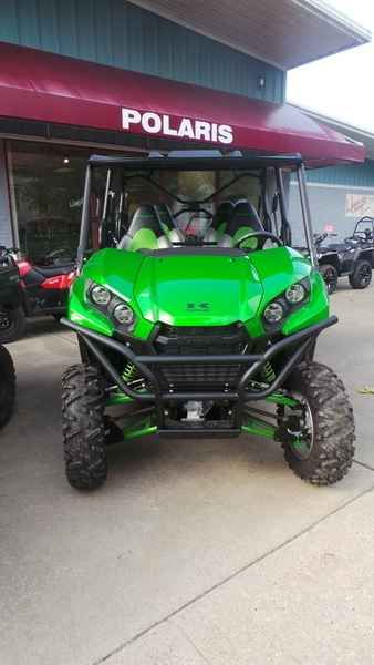 New 2017 Kawasaki Teryx4 LE ATVs For Sale in Arkansas. 2017 Kawasaki Teryx4 LE, Safety Brakes - Front: Dual Hydraulic Disc Brakes - Rear: Sealed Oil Bath Multi-Disc Front Brake Diameter (in): 7.9 Front Brake Diameter (mm): 200 Specifications Bash Plate (Front) Bed Capacity (kgs.): 112.9 Bed Capacity (lbs.): 249 Bed Volume (ft3): 4.3 Bed Volume (m3): 0.12 Body Material: Plastic Cargo Bed Material: Polyethylene Front Tire Diameter (in): 27 Front Tire Width: 9 Full Length Skid Plate Ground…