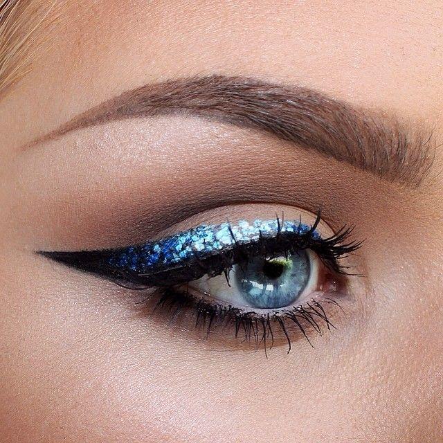 #beauty #eye #liner #eyes #makeup #cosmetics #lash #winged #eyeliner #blue #glitter