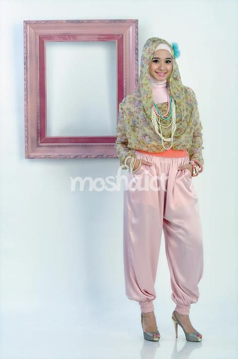 Laudya Cynthia Bella --- Buy the magazine at https://www.facebook.com/notes/moshaict-moslem-fashion-district/daftar-nasional-reseller-buku-hijab-moshaict/280384698688485 --- www.moshaict.com  #hijab #fashion #fashionhijab #islamicfashion