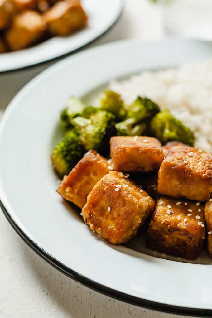 The Best Crispy Tofu An Easy Vegan Dinner Idea That Is Gluten Free And So Crispy Tofu Vegan Glutenfree Easy Vegan Dinner Crispy Tofu Easy Chicken Recipes