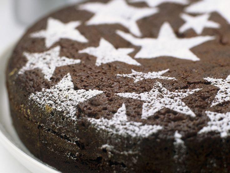 Schokoladenkuchen zu Weihnachten | Zeit: 40 Min. | http://eatsmarter.de/rezepte/schokoladenkuchen-zu-weihnachten
