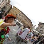Giornata del Naso Rosso, l'allegria scende in piazza a Perugia