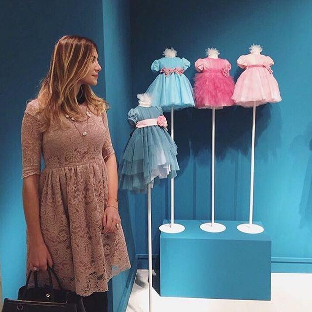 Beautiful and stylish Francesca wears our ORCHIDEA PINK Limited Edition 🎀🍭 #pittibimbo #florence #proudofourteam #m⭐️magioielliaroundtheworld