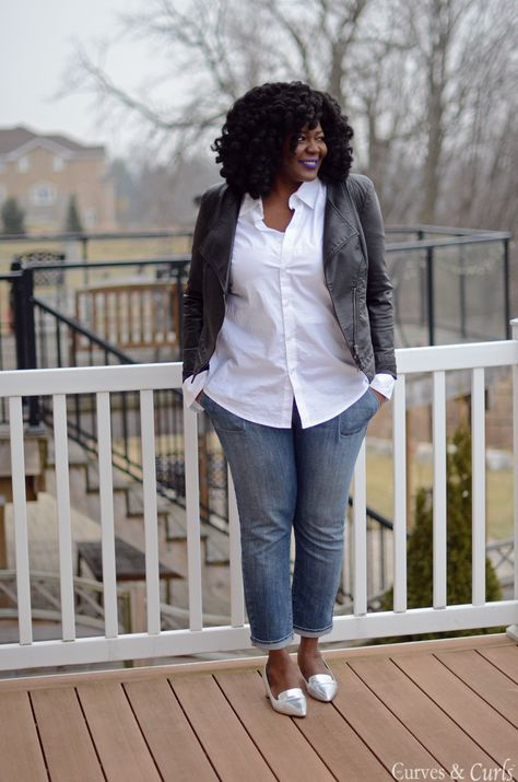 How to do styling right with simple basics (and a purple lip!) My Curves & Curls™ | A Canadian Plus Size Fashion blog: Before The Snow