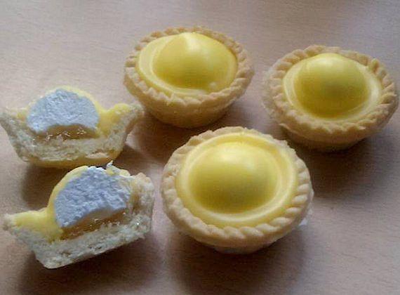 Iced pineapple cream tarts