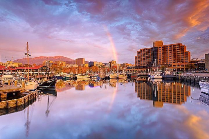 Hotels-live.com/pages/sejours-pas-chers - Good morning Hobart! A stunning pastel start to the day at first light over Constitution Dock along the vibrant walkways of the Hobart Waterfront. Located in the Port of Hobart on the River Derwent Constitution Dock is an area of our capital city where history seeps from stones of the old colonial buildings which are now galleries trendy bars and fine eateries offering delectable fresh seafood! It is also famous for being the rallying point and…