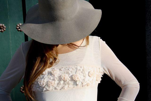 lareinadellowcost la reina del low cost blog pilar pascual vestido flores sombrero de fieltro ropa barata comprar ropa online zapatos primark bines vintage outlet 2