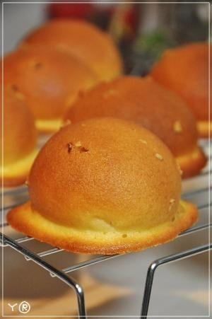楽天が運営する楽天レシピ。ユーザーさんが投稿した「♥簡単・美味しい♥幸せのスイートブール♥」のレシピページです。サクッふわっ。 甘くてとっても美味しいパンでぇす(★>U<*)b 食べると幸せになること間違いなし♥♥。スイートブール。*クッキー生地*,バター,砂糖,たまご,薄力粉,*パン生地*,強力粉,砂糖,塩,ドライイースト