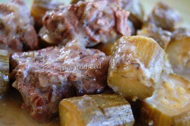 COOKANDFEED : Μοσχάρι με κολοκυθάκια αυγολέμονο/Beef with zucchini in egg-lemon sauce