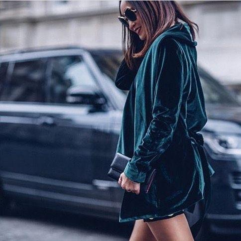 If forest green velvet isn't festive we don't know what is.  @marikokuo was made for this @gestuz jacket.    #influencer #girlsingestuz #festive #ootd #streetstyle #velvet #fashionblogger #fblogger