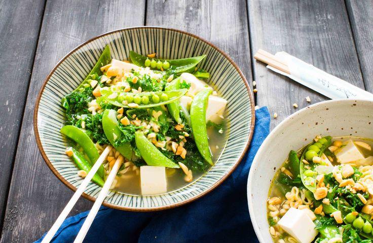 noodle soup with silken tofu vego Gröna grönsaker innehåller mycket antioxidanter, fibrer och mineraler. Enkelt och gott recept på nudelsoppa.
