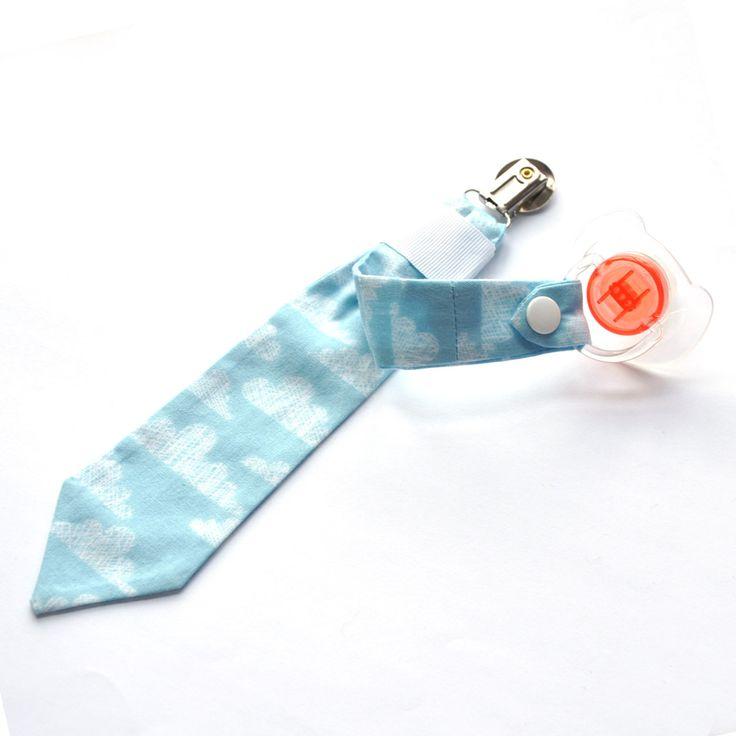 attache sucette personnalisable accroche tétine cravate nuages : Puériculture par luciesanschichi