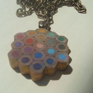 How to make a wooden crayon pendant via @Guidecentral - DIY & Crafts - DIY & Crafts - Visit www.guidecentr.al for more #DIY #tutorials
