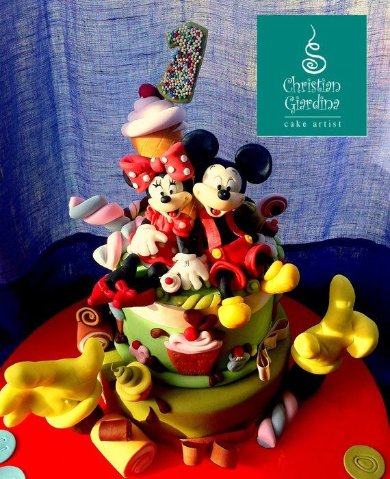 """Mickey and Minnie"" - by christiangiardina @ CakesDecor.com - cake decorating website"