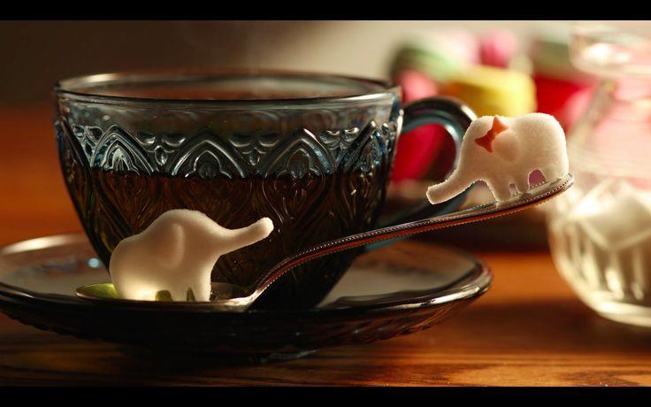 【物語のある砂糖】| 創業1774年の駒屋。砂糖のイメージアップを図るため、本物の砂糖を使用したコマ撮り動画を公開。