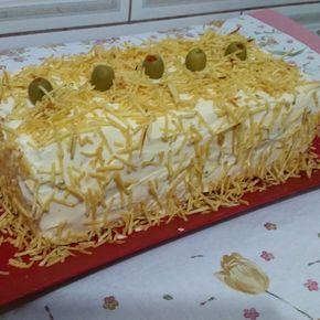 Receita de Torta salgada de frango (de pão de forma). Enviada por Danielle Rodrigues e demora apenas 60 minutos.
