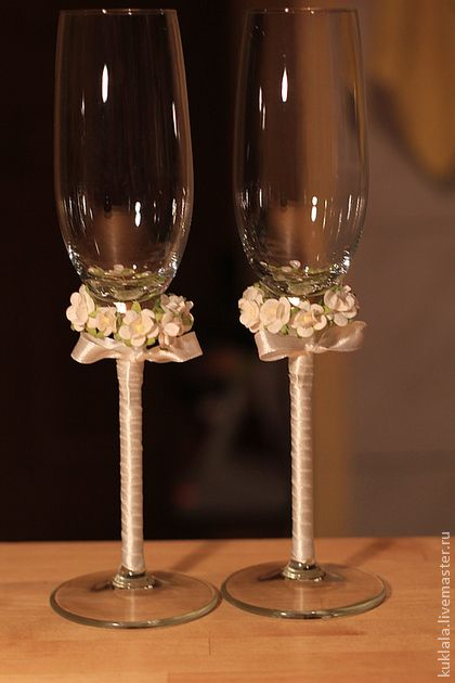 38 best decorate champagne glass images on pinterest champagne flutes champagne glasses and toast. Black Bedroom Furniture Sets. Home Design Ideas