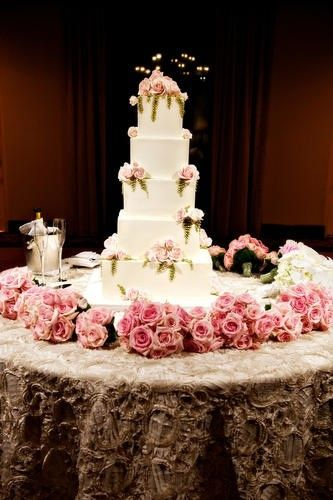 elegant wedding cake table ideas 17 best images about cake tables on 13992
