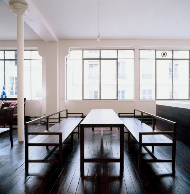 .: Interior, Dining Room, Spaces, Benches, Floor, Dining Table, Loft, Design
