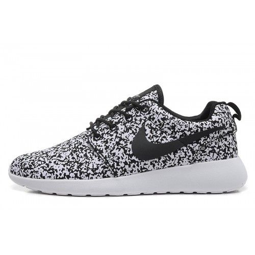 Nike Roshe Shoes Black And White