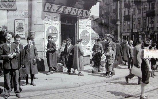 Warszawa na zdjęciach Willema van de Polla 1934  Narożnik ulic Nalewki 26 i Franciszkańskiej 36