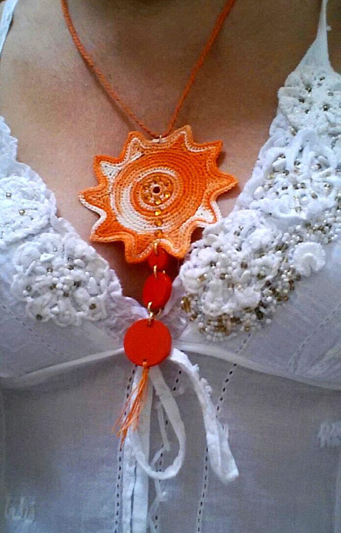 Collana Soleil, all'uncinetto, in cotone con cristalli swarovski : Collane di il-mondo-di-sabi
