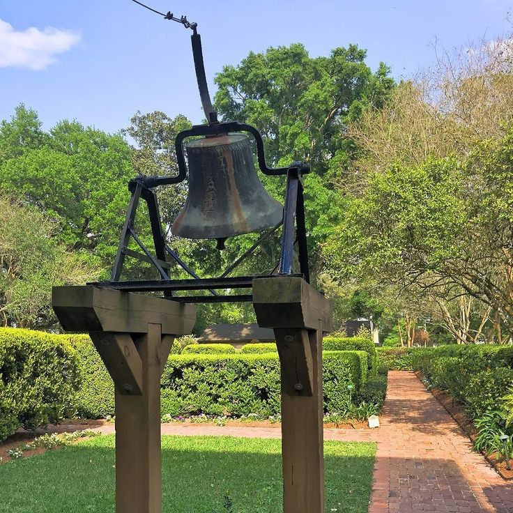 The plantation Bell was the communication system of the 1800s. Think of it as the histórical equivalent of T-Mobile! #OnlyLouisiana