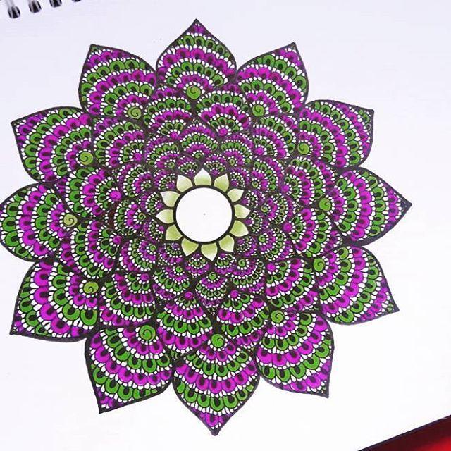 @laurie.charlotte_drawings #mandala #mandalaslovers #mandalapassion #drawing #copicmarker #chameleonpens #markers #alcoholmarkers #wewholeart #art_worldly #arts_help #follow #followartist #creative #creative_instaarts #arts_gallery #artist #like #drawingart #mandalaart #heymandalas #beautifulmandalas #dessin #todaysdrawing #picoftheday #artoftheday #zentangle #doodle #art #follow4follow
