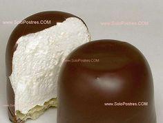Pinitos de merengue bañados de chocolate