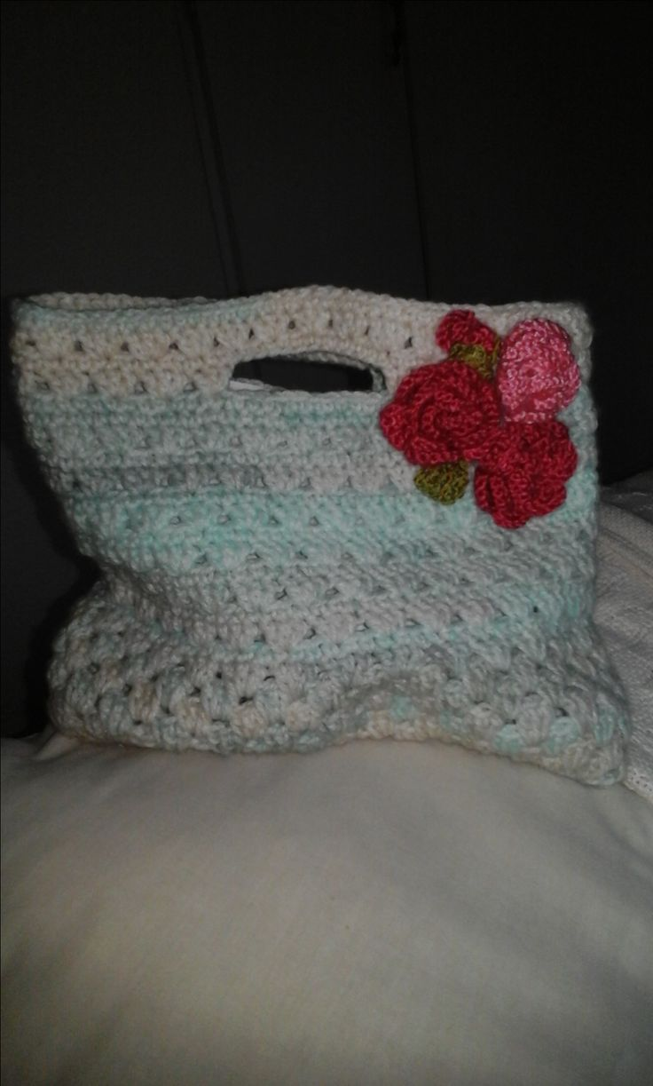 Crochet  Bag  with  Flowers