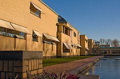 Haro Uitval zonwering aan Haags Gemeente Museum. Zonwering Westland