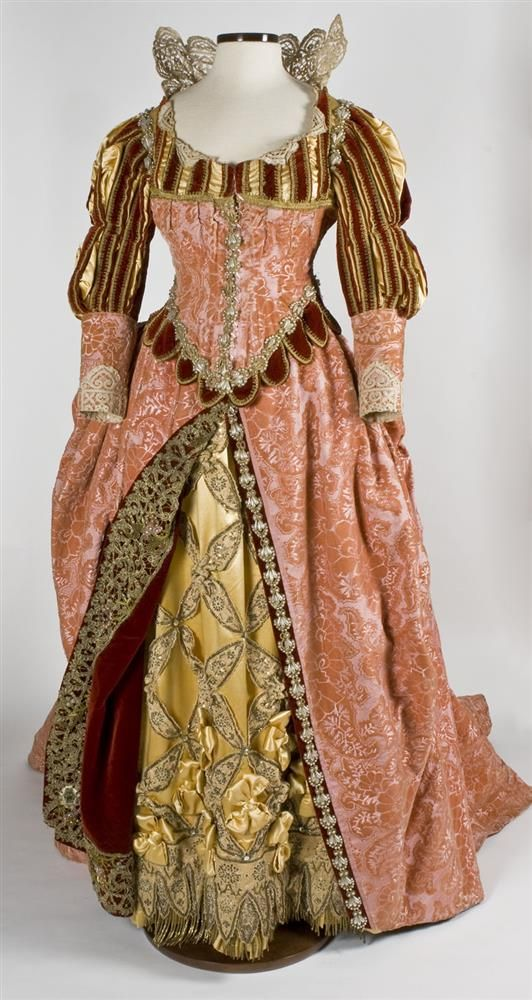 Worth, French, Fancy Dress Costume, late 19th century, Velvet, satin, and lace, dress. Wadsworth Atheneum Collection. Object ID: 1972.101A-E